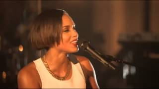 Alicia Keys -- Fallin (Live At Manchester Cathedral)