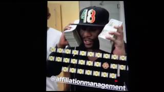 Floyd Mayweather With 1 Million Dollars Money Is No Problem  - EsNews Boxing