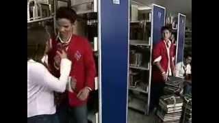 Rebelde Capitulo 168 - Lujan ayuda a Miguel con los libros y provoca celos en Téo