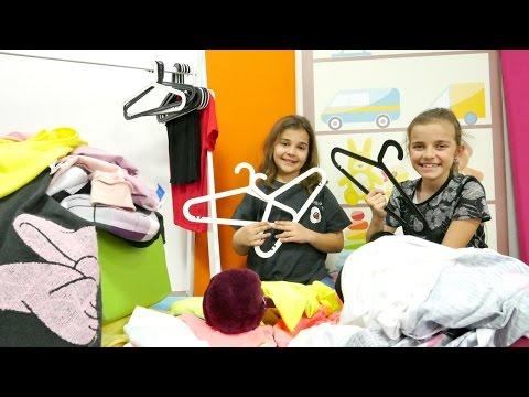 #kızoyunları. Sema ve Ayça Kim daha fazla kıyafet giyer oyunu oynuyorlar. Eğlenceli video Türkçe