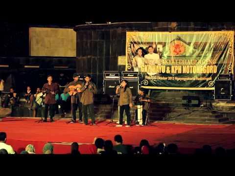 Oplosan Musik Jalanan Girlan Pesta Rakyat Dhaup Ageng Yogyakarta
