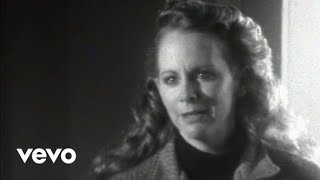 Reba McEntire - The Night The Lights Went Out In Georgia