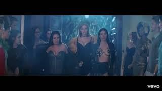 Simaria gostosa mostrando os peitos no novo clipe