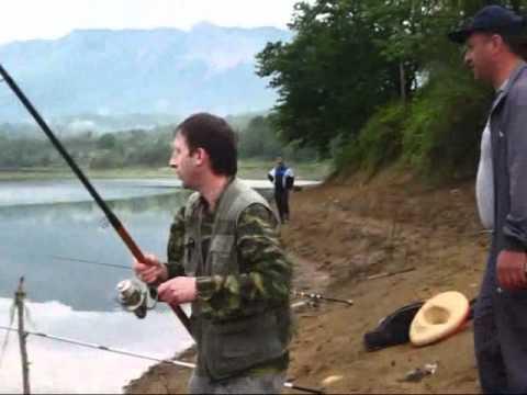 თევზაობა საწირის ტბაზე იაგო.