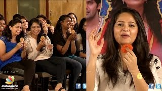 Anushka Chit Chat With Students about Size Zero