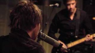 Radiohead - Weird Fishes/Arpeggi (Live from the Basement in 2007)