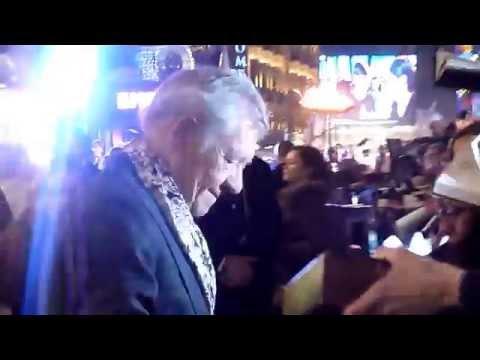 Ian McKellen at the Hobbit BFA World Premiere (shaky)