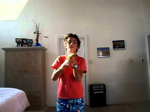 Revealing the secrets of Fushigi ball Banana levitation