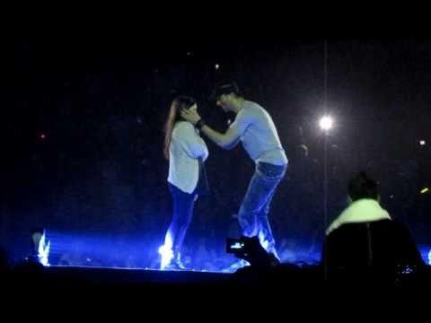 Xxx Mp4 Enrique Iglesias Picking Hero Girl And Hero Song MEN Arena Manchester March 24 2011 Euphoria Tour 3gp Sex