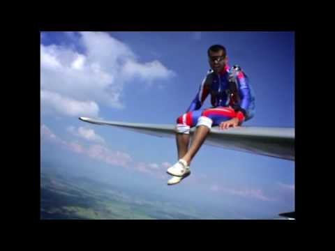 Relax on the wing of L-13 Blanik Glider... and JUMP!!! (without ABBA)