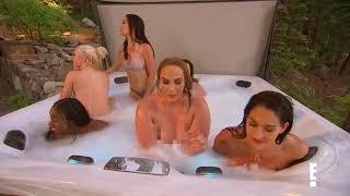 WWE Divas bathe fully nude in hot tub. (Total Divas)