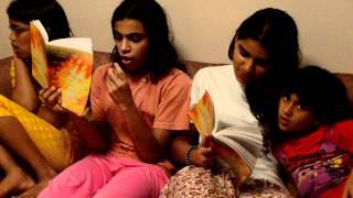 DSC 1245 4 girls sing
