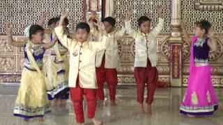 Bole Chudiya - HD English Medium School Gathering Dance - 2016-17