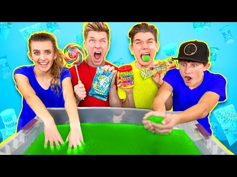 SOUREST GIANT GELLI BAFF IN THE WORLD CHALLENGE Warheads Toxic Waste EXTREMELY DANGEROUS