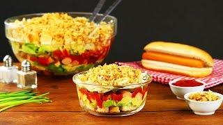 Het klinkt bijna gezond: de Gelaagde Hotdogsalade
