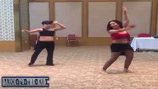 رقص نار من راقصه بلدى تتحدى راقصه صنيه والجسم عسل . Dance Hot
