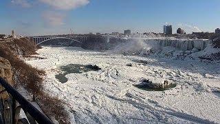 Kälte lässt Niagara-Fälle erstarren