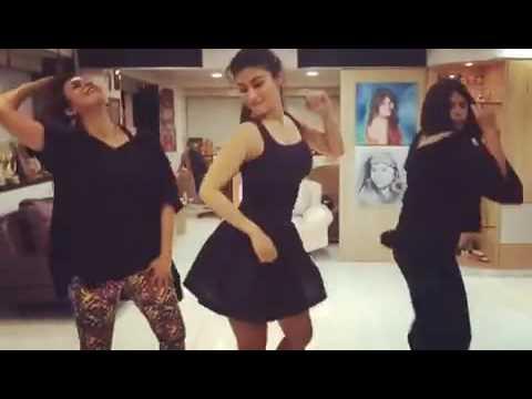 Xxx Mp4 ඉෂිතයි ශිවන්යයි Sexy Dance Ishitha Shivanya Sexy Dance YouTube 3gp Sex