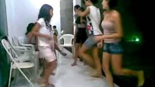 Dançando mata o papai rs