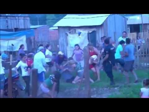 BRUTAL PELEA CAMPAL EN UN VECINDARIO BRUTAL FIGHT IN A NEIGHBORHOOD CAMPAL
