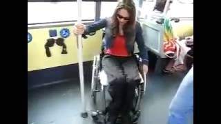 آنظروا إلى مؤسسات النقل في الدول الأجنبية كيف تحترم زبائنها ذوي الحاجات الخاصة