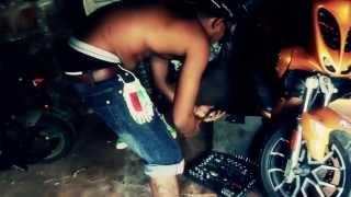 Mangalaza-Camerone (clip officiel)