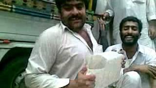Funny pashto song by Kashif Qadir Khan.3gp