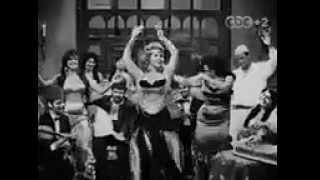 فيلم بين القصرين   مها صبري، يحيى شاهين   YouTube