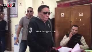 عادل إمام لموظفة في لجنة انتخابية المحشى اللى عامل فيكي كده