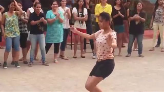 Odisha College Girls Dance the Hell out!