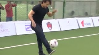 Tiger Shroff shows off some cool football moves | VIDEO