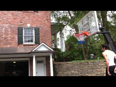 Kyrie Irving Dunking