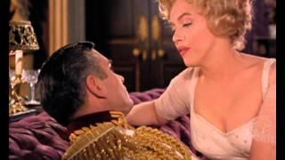 Marilyn dances and sings in