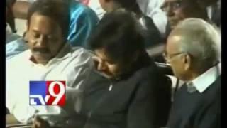 Difference between Pawan Kalyan and Mahesh Babu - YouTube.FLV