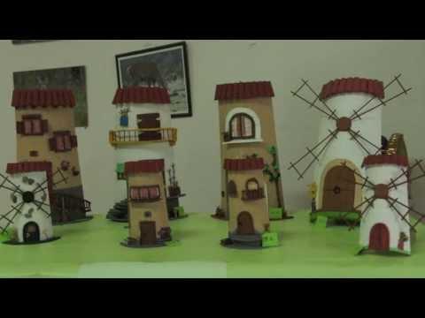 Exposición de tejas decoradas