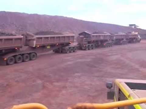 Xxx Mp4 Huge Road Train With 5 Trailers Operating In Gold Mine NT Australia 3gp Sex