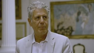 Anthony Bourdain tries a traditional Vietnamese dish (Parts Unknown)