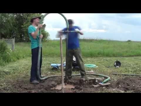 как пробурить скважину для воды рыболовным буром