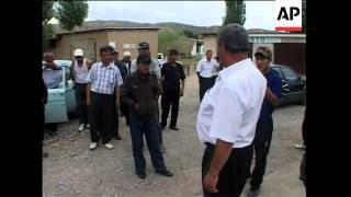 Checkpoints set up near Jalal-Abad to protect Uzbek enclaves