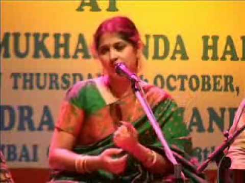 Smt Kaushiki Desikan Meera Bhajan Pia Bin