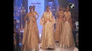 India News - Former Miss Universe raises glamour quotient of Mumbai fashion show