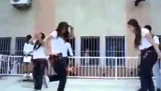 رقص بنات الجامعه على اغنية قلب قلب