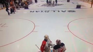 """Roberto Luongo and Cory Schneider argue over the net """"like the good old days"""""""