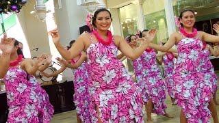 Traditional Hawaiian Hula Dance at Aloha Tower - LookIntoHawaii.com