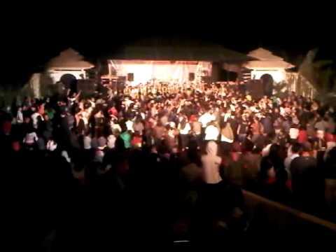 Penampakan Hantu 15 oktober 2011 (Bajidoran di dago teahouse).3GP