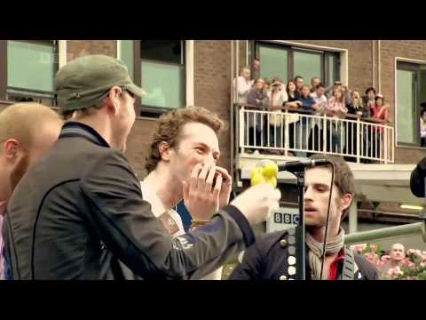 Coldplay - Yellow (acoustic) Live @ BBC '08 [HD]