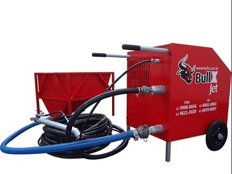 BullX JET a máquina de reboco e chapisco com traço feito na obra.