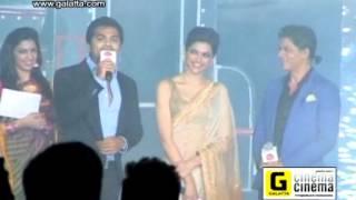 Shahrukh Khan And Deepika Padukone at Palam Silks Chennai Express Fashion Show