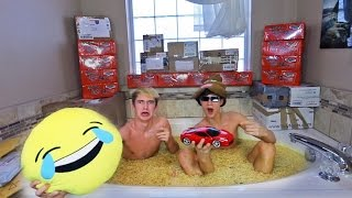 CRAZY RAMEN NOODLE BATHTUB FAN MAIL OPENING!