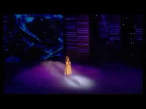 Connie Talbot interpretando Over The Rain en la gran final de Britains Got Talent